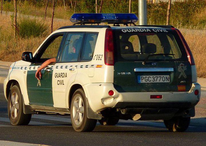 Guardia Civil multado al usar su arma contra una lancha con traficantes