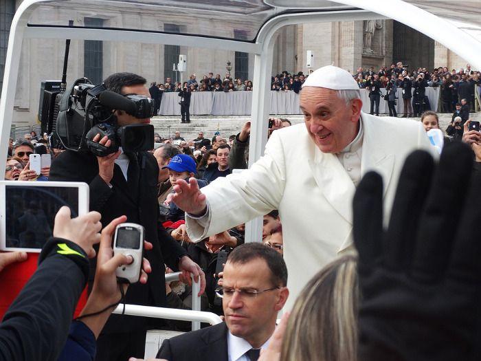 """El Papa llega a Instagram como """"Franciscus"""""""