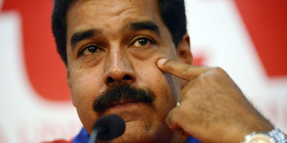 2016-04-28 Cientos de miles de firmas venezolanas en contra de Nicolás Maduro