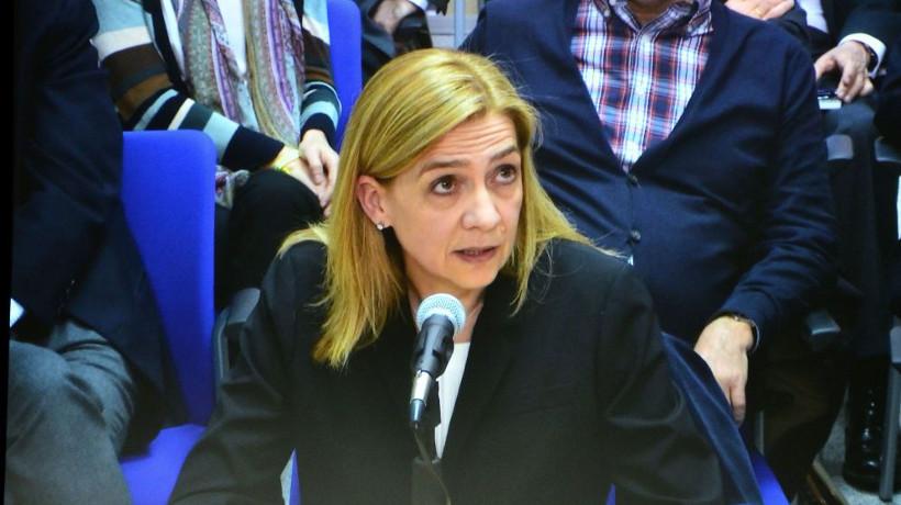 a010-01 La Infanta doña Cristina de Borbón y Grecia en el caso Nóos preguntada por el uso de la tarjeta de Aizoon 2