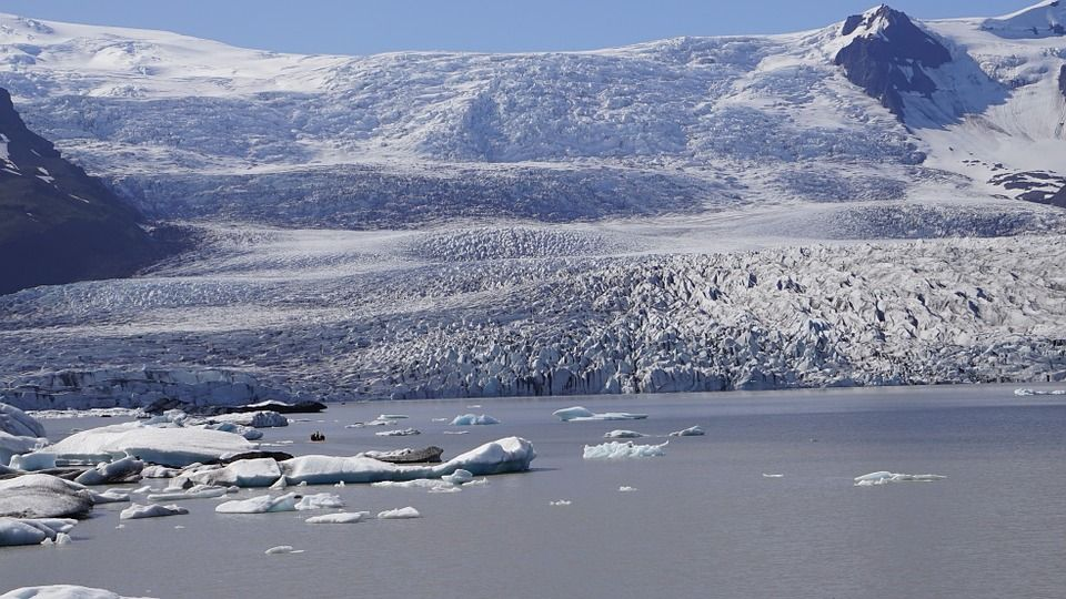 2016-08-16 El Cambio Climático liberará en Groenlandia residuos nucleares de la Guerra Fría