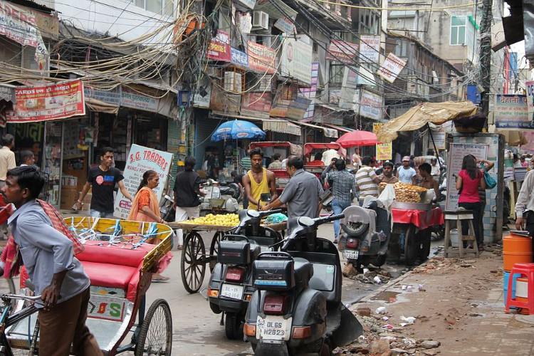 2016-08-31 El gobierno de India recomienda a las turistas que no utilicen falda