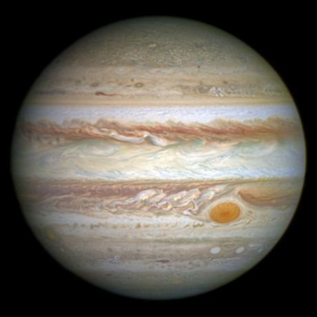 2016-09-02 La NASA, sorprendida al ver las primeras imágenes del polo norte de Júpiter i