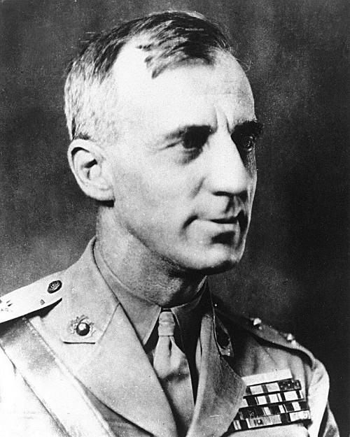 La guerra es una estafa - General Smedley Butler